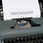 Hoe schrijf je het eerste hoofdstuk van je boek? 3 technieken uit psychologie.