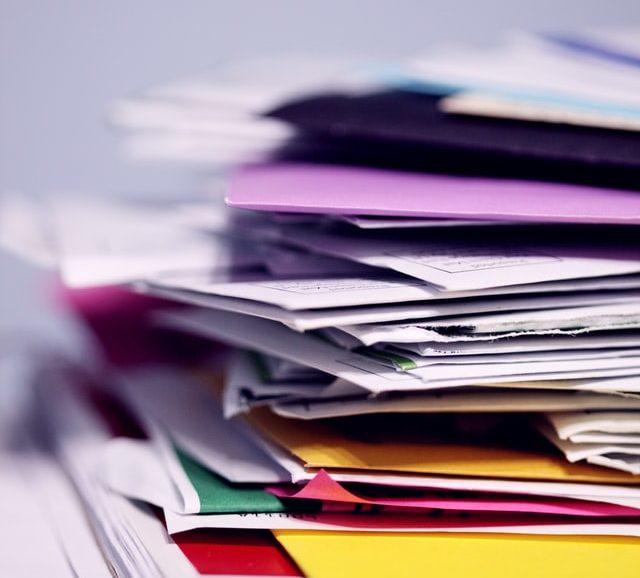 Hoe stuur je manuscript van boek naar grote uitgeverij?